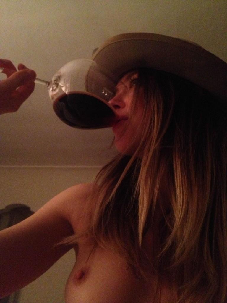 Amber Heard horny nude babe
