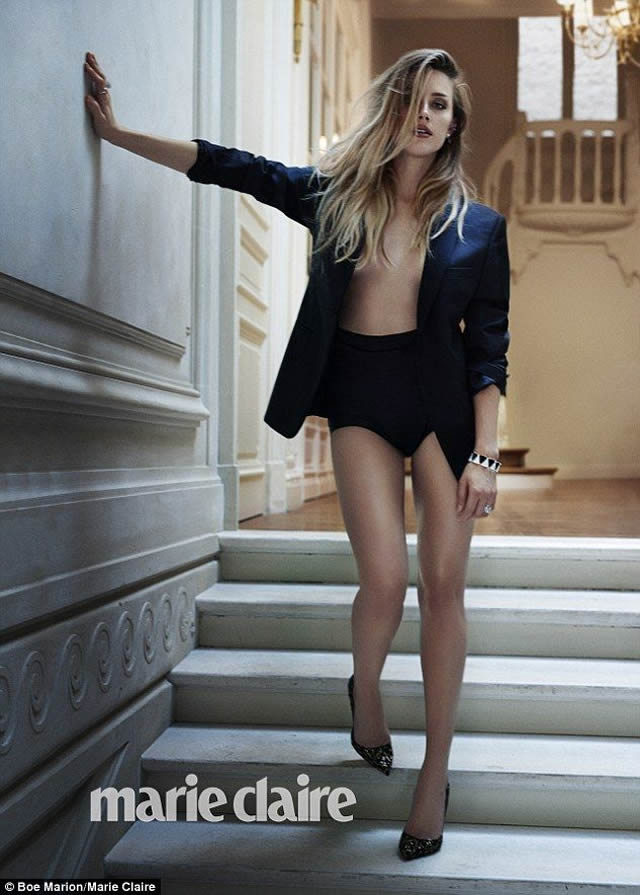 Amber Heard nude legs
