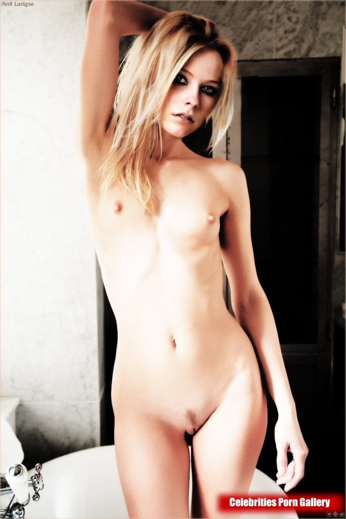 Avril Lavigne full naked