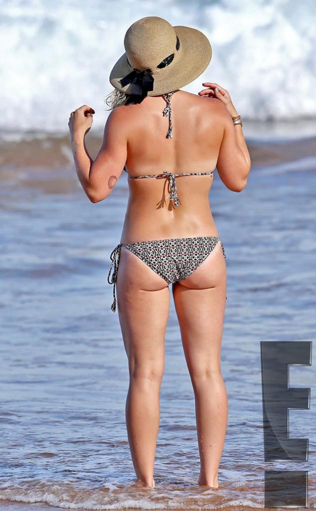 Hilary Duff in Bikini sexy booty