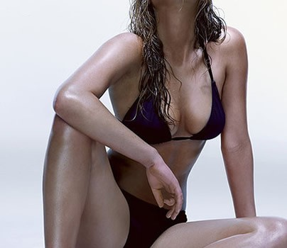 Jennifer Lawrence in bikini (14 Photos)