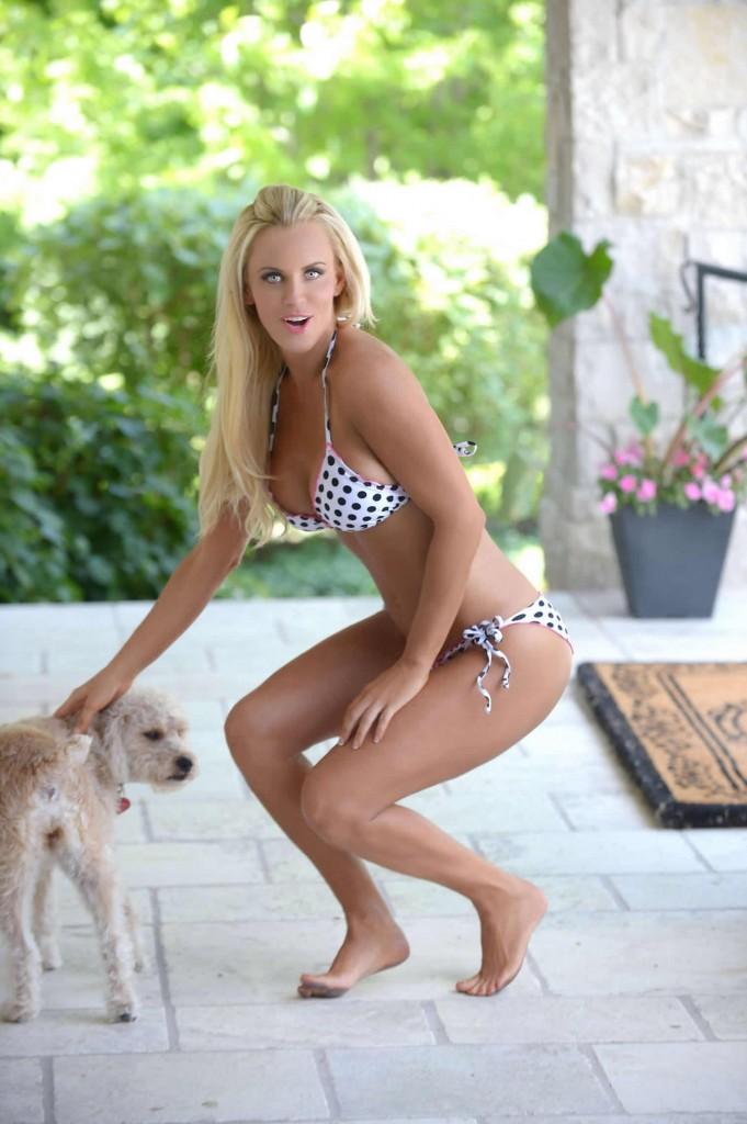 Jenny McCarthy in bikini and dog