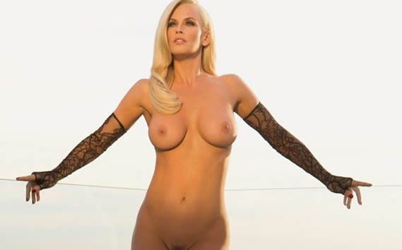 Jenny McCarthy nude boobs