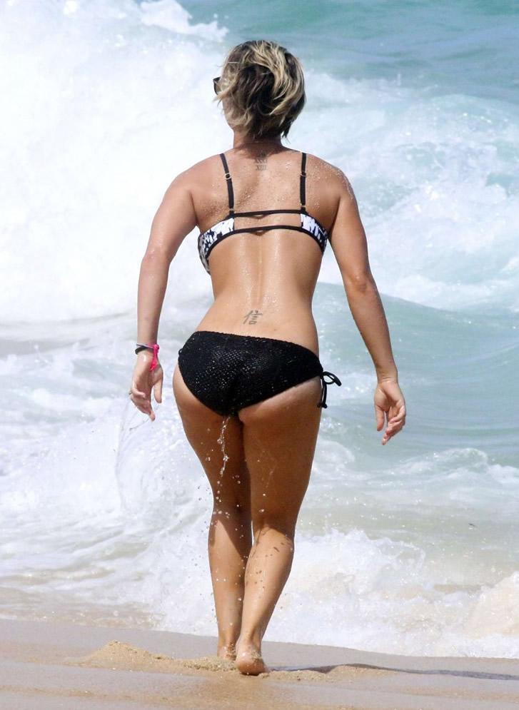 Kaley Cuoco in black bikini