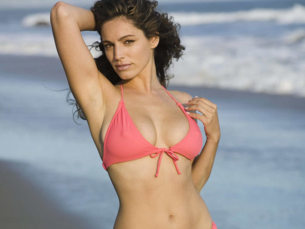 Kelly Brook hot body wallpaper