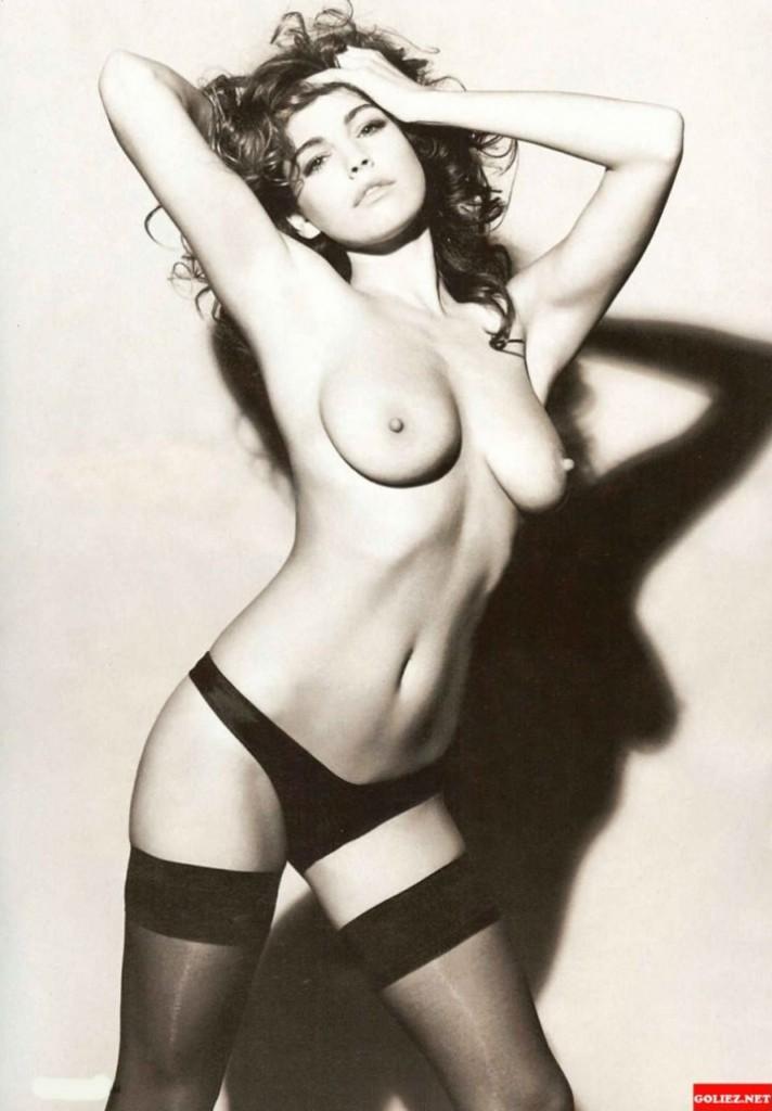 Kelly Brook naked pics new