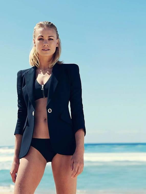 Life's a Beach for Yvonne Strahovski!