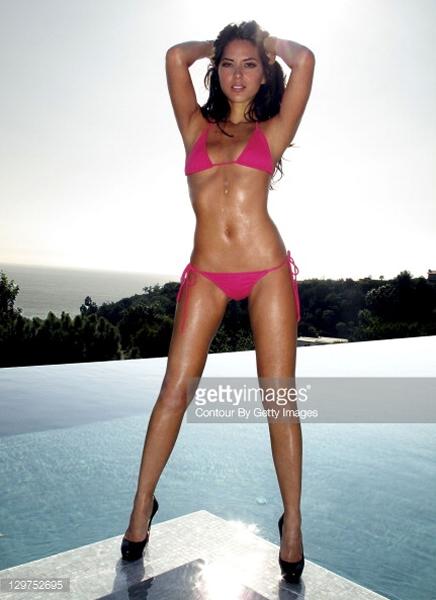 Olivia Munn showing her hot body