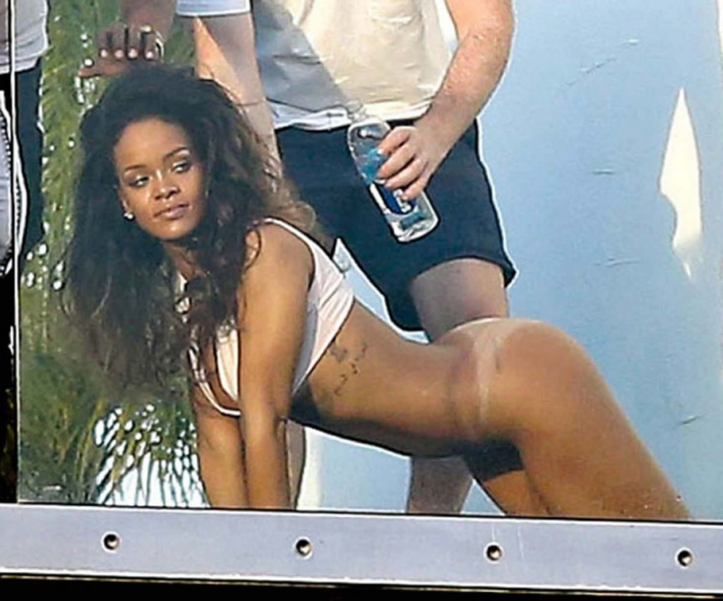 naked pictrues of rihanna