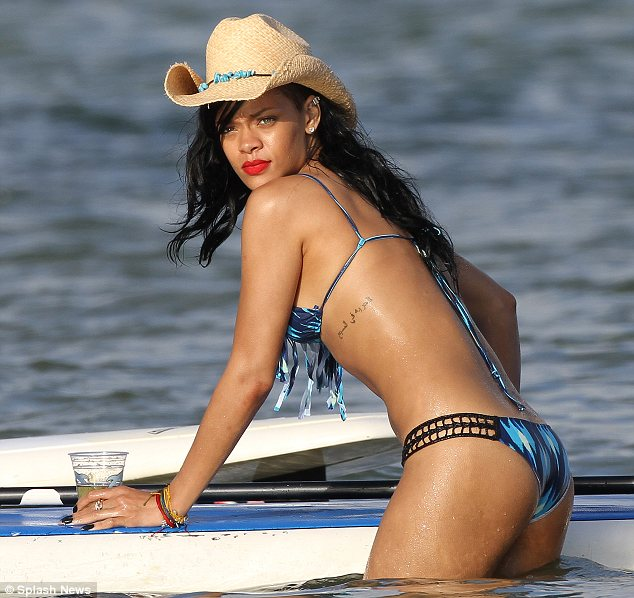 Rihanna in bikini Photo