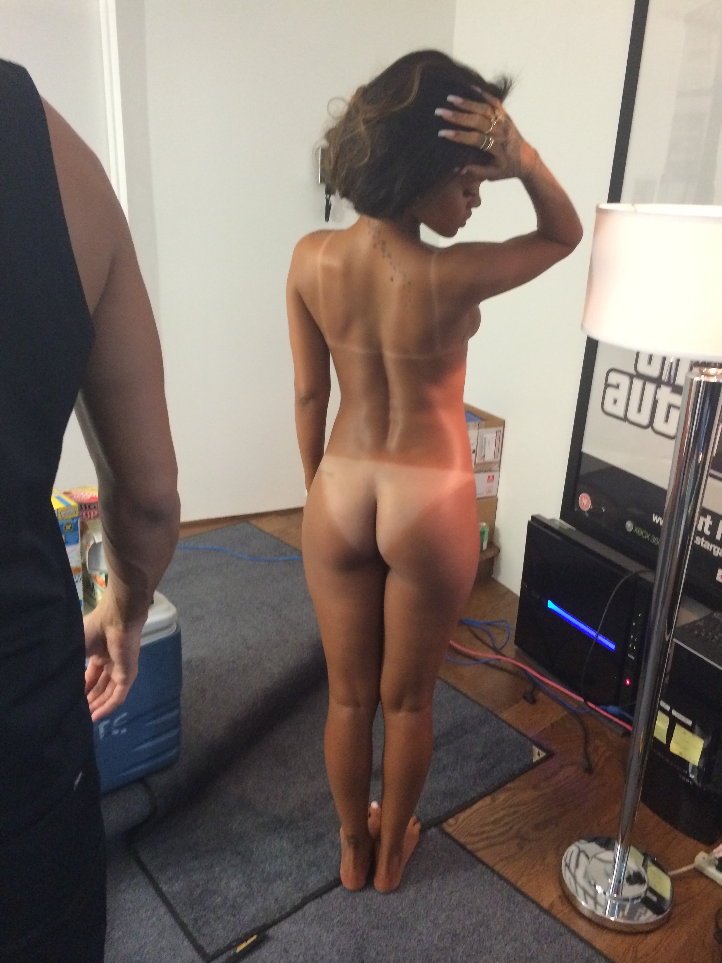 naked-pics-of-rihanna-and-cassie