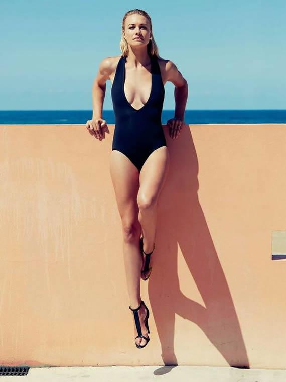 Sexy Celebrity Legs Yvonne Strahovski