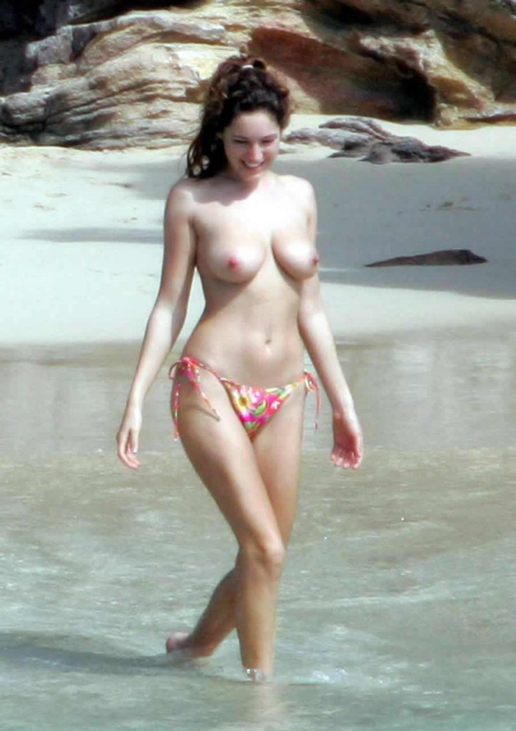 Sexy Kelly Brook Nude Amateur Photo