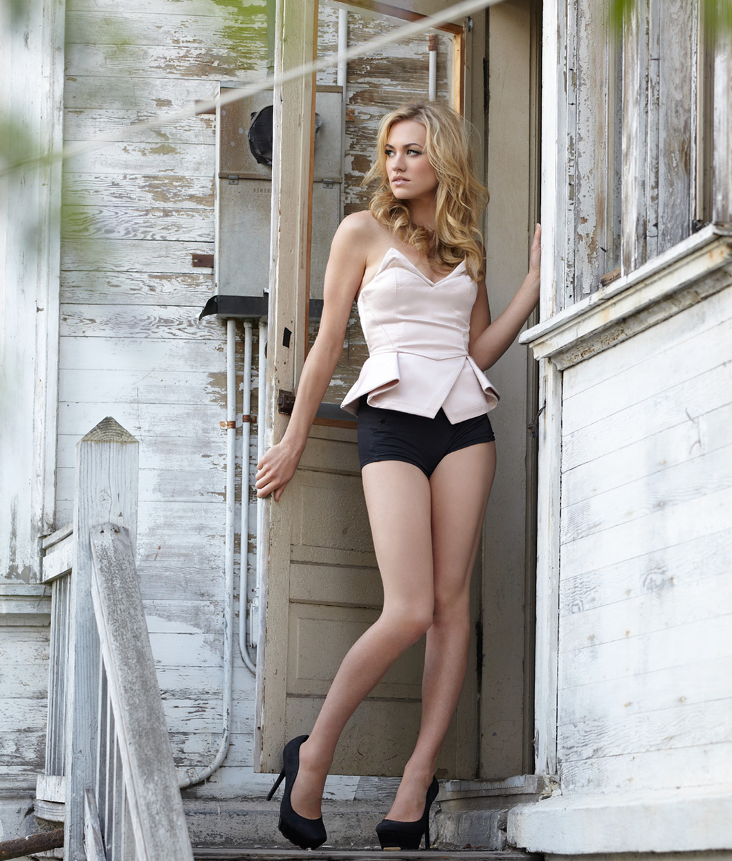 The 15 Hottest Yvonne Strahovski Pictures The Fappening Celebrity Nude Leaked Photos