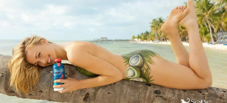 Yvonne Strahovski Body Paint (13 Photos)