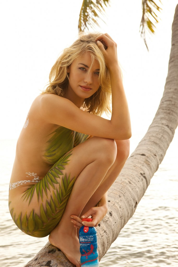 Yvonne Strahovski Body Paint sexy women
