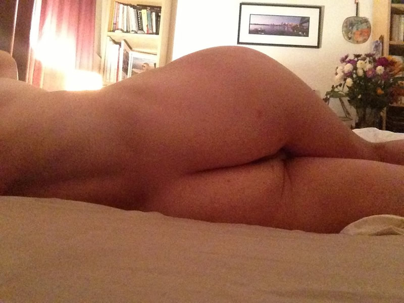Yvonne Strahovski Nude Booty Leaked pictures icloud hack