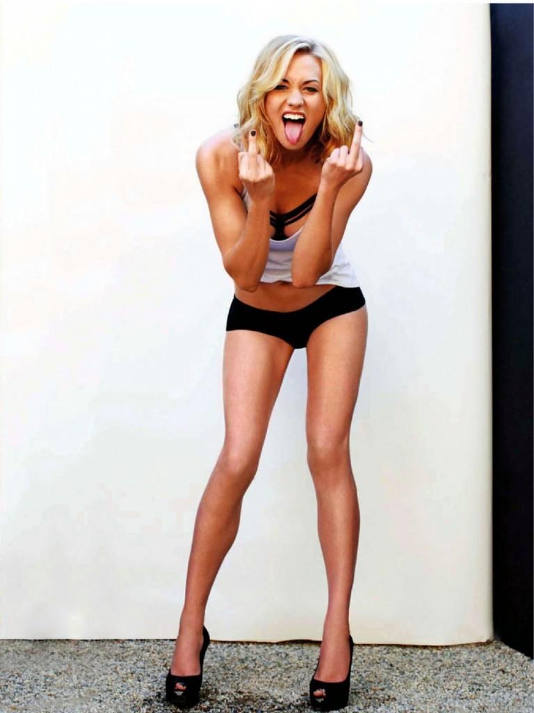 Yvonne Strahovski sexy body