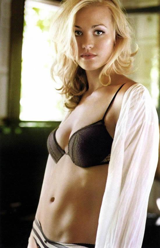 Yvonne Strahovski sexy celebrity