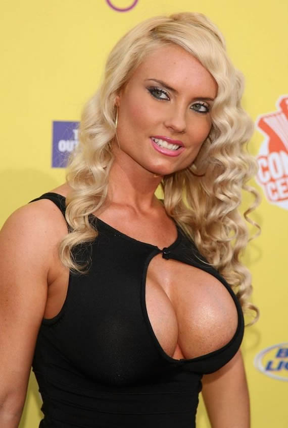 Coco Austin photos boobs