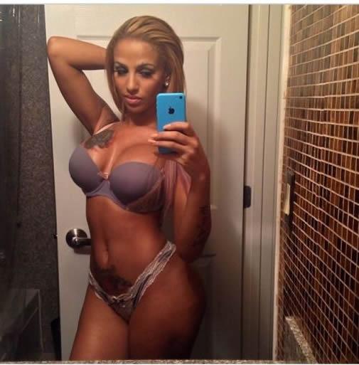 Crystal Renay selfie pictures