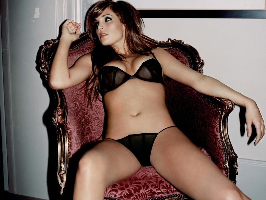 Danielle Lloyd sexy body photos