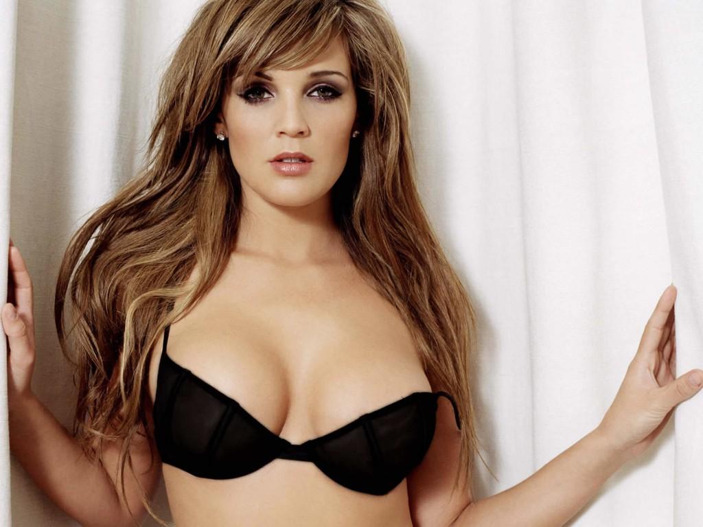 Danielle Lloyd tits photo