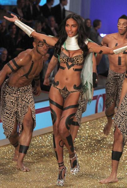 Emanuela de Paula Victoria's Secret 2010
