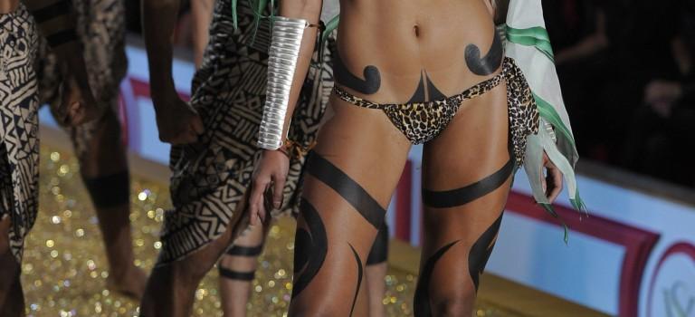 Emanuela de Paula Victoria's Secret (8 Photos)