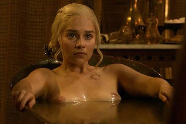 Emilia Clarke Nip Slip Game Of Thrones