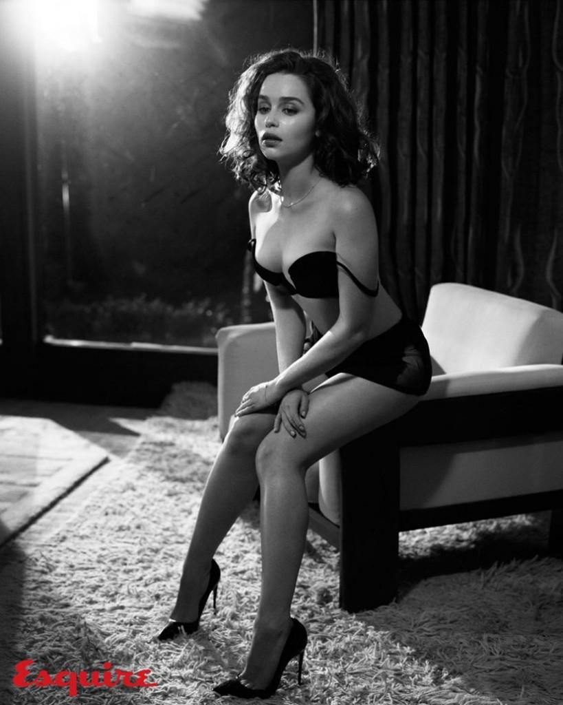 Emilia Clarke hot photo