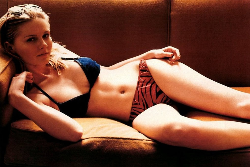 Emma Stone in bikini hot