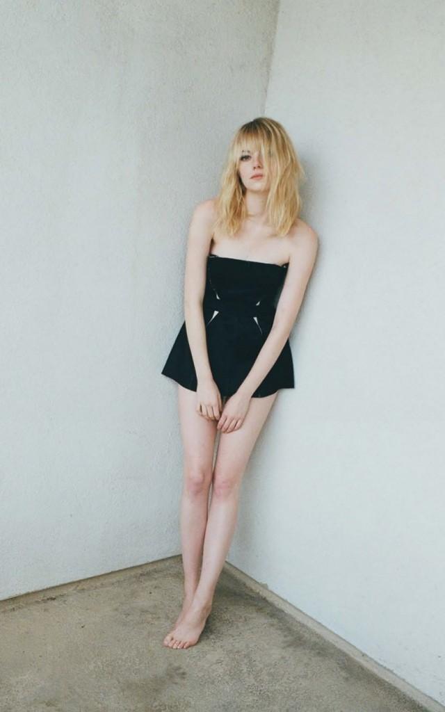 Emma Stone in sexy black dress