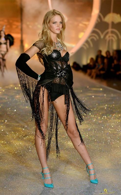 Erin Heatherton Victoria's Secret Fashion Show
