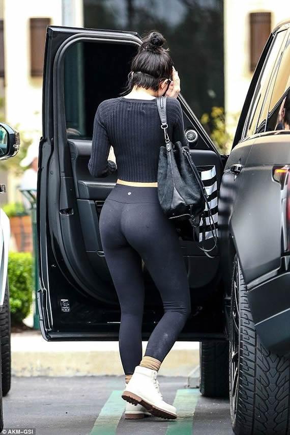 Kylie Jenner Paparazzi Pics