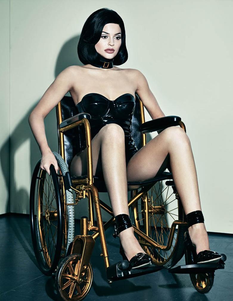 Kylie Jenner Sexy Photos 2