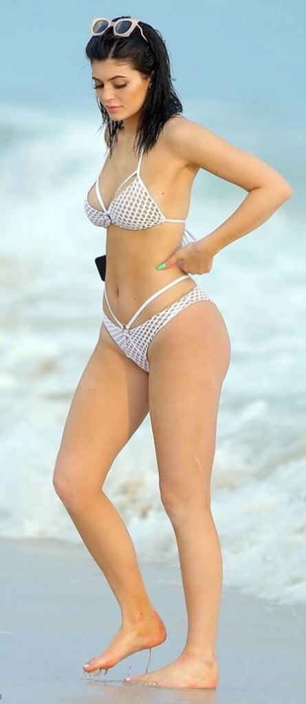 Kylie Jenner in Hot Bikini Mexico