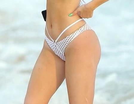 Kylie Jenner in Hot Bikini (16 Photos)
