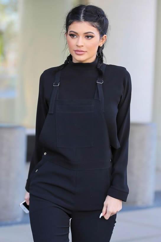 Kylie Jenner paparazzi