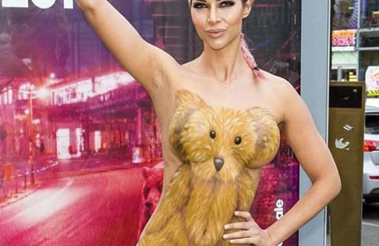 Micaela Schaefer Body Paint for the Berlinale 2016 (8 Photos)