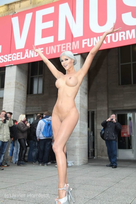 Micaela Schaefer posing naked VENUS 2015 in Berlin