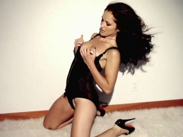 Minka Kelly Hottest Photo
