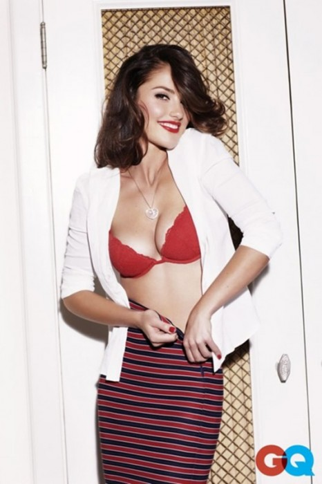 Minka Kelly Showing her sexy boobs