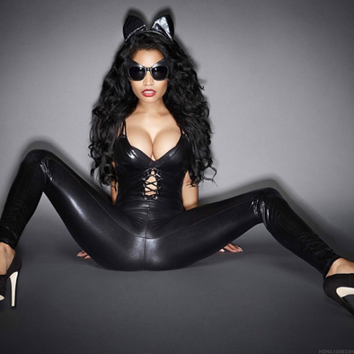 Nicki Minaj sexy body pics
