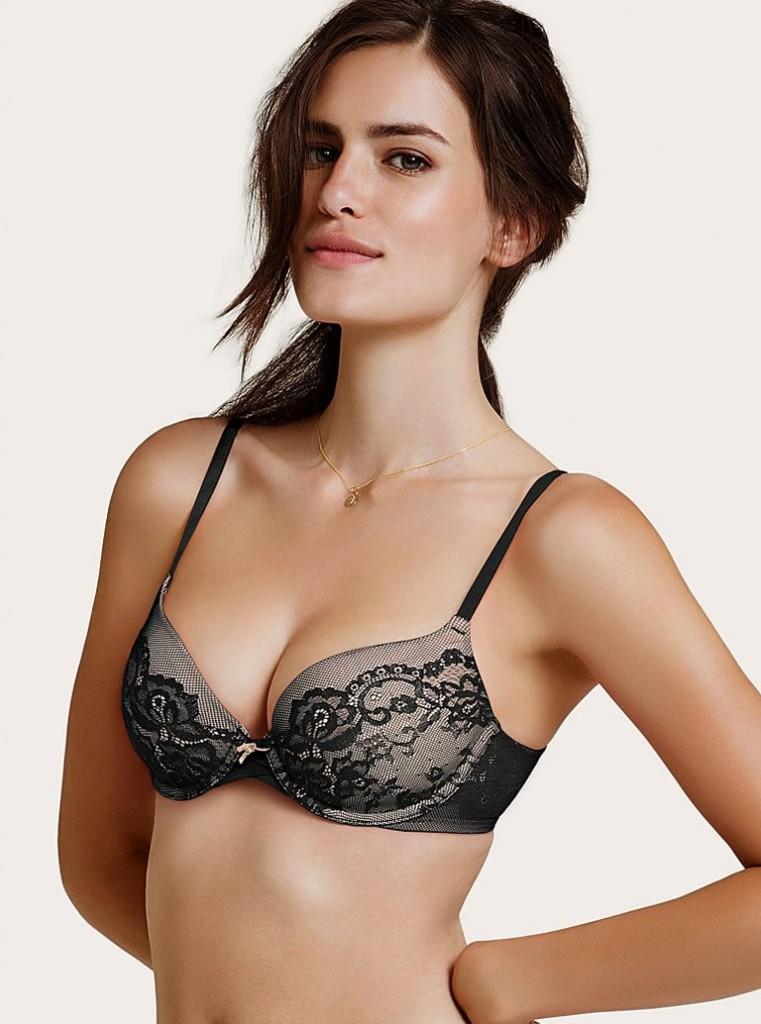 Renata Sozzi sexy boobs