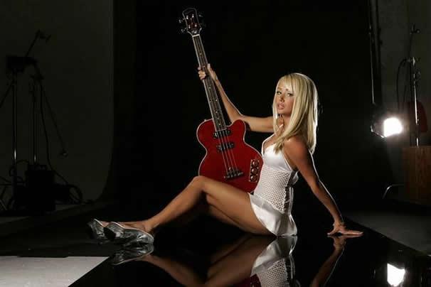 Sara Jean Underwood Guitar Pics