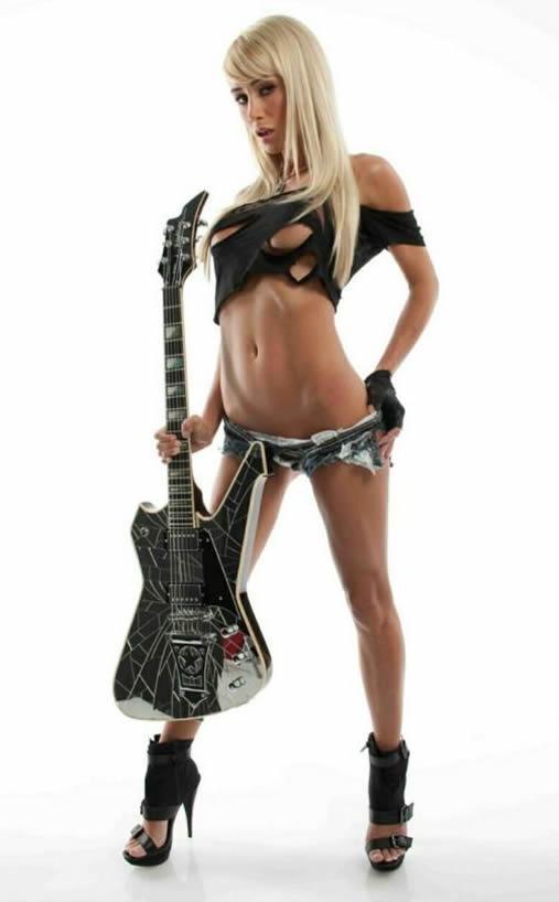 Sara Underwood Guitar Photos