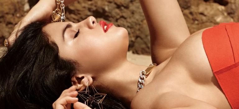 Selena Gomez Hot (12 Pics)