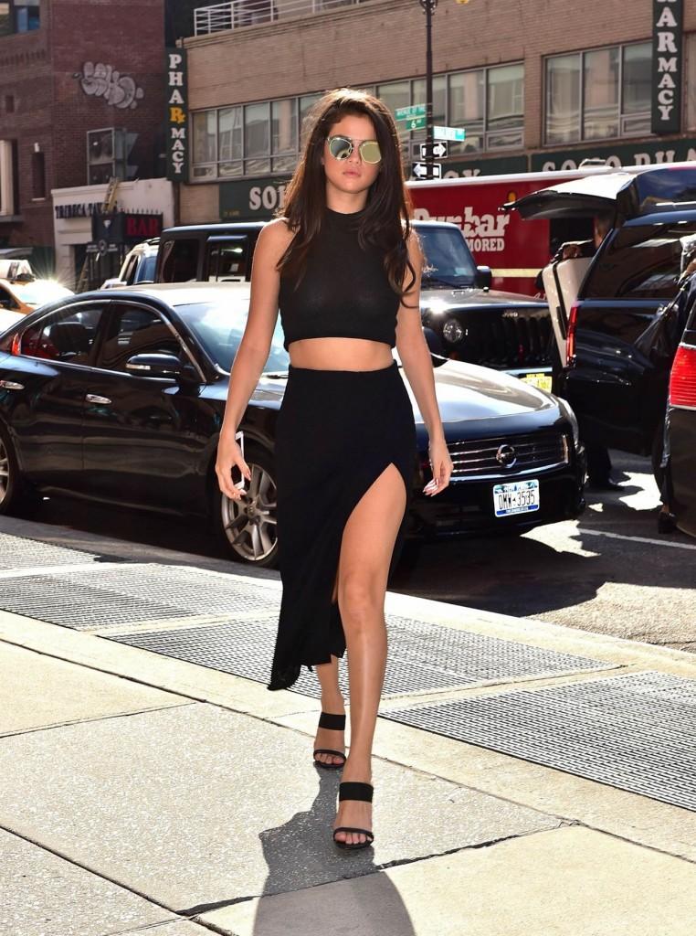 Selena Gomez Paprazzi Photo