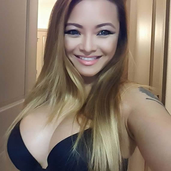 Tila Tequila Hot Selfie